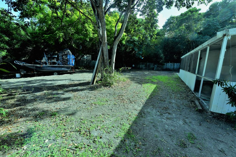 Additional photo for property listing at 136 Buttonwood Avenue  Key Largo, Florida 33037 Amerika Birleşik Devletleri