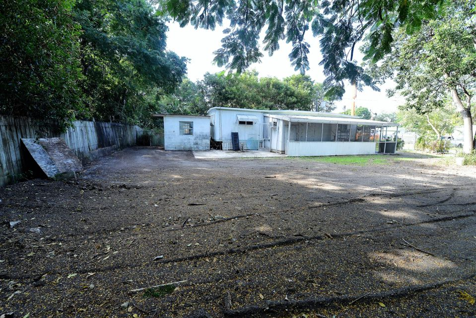 Additional photo for property listing at 136 Buttonwood Avenue  Key Largo, Florida 33037 United States