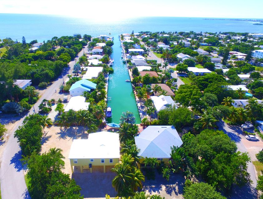 Additional photo for property listing at 942 E 75TH STREET OCEAN  Marathon, Florida 33050 États-Unis
