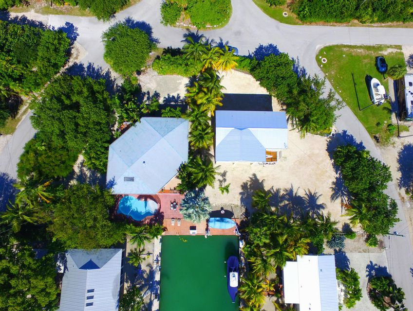 Additional photo for property listing at 942 E 75TH STREET OCEAN  Marathon, Florida 33050 Amerika Birleşik Devletleri