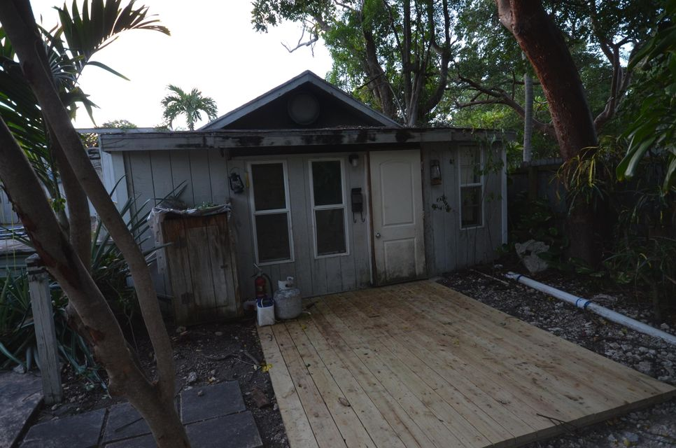 Additional photo for property listing at 1104 Grand Street  Key Largo, Florida 33037 Estados Unidos