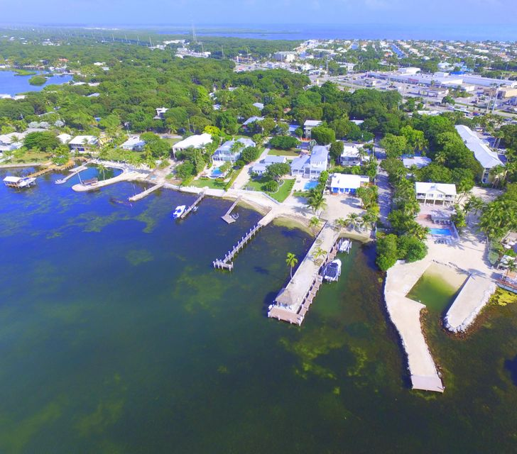 Additional photo for property listing at 150 Bayview Drive  Key Largo, Florida 33037 United States