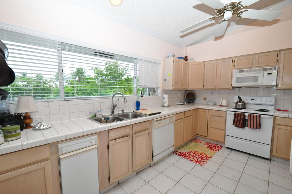 Additional photo for property listing at 202 S ANGLERS Drive  Marathon, Florida 33050 Vereinigte Staaten
