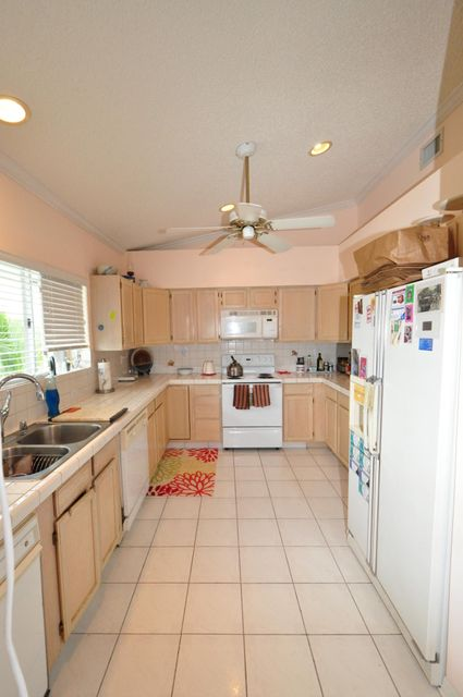 Additional photo for property listing at 202 S ANGLERS Drive  Marathon, Florida 33050 États-Unis