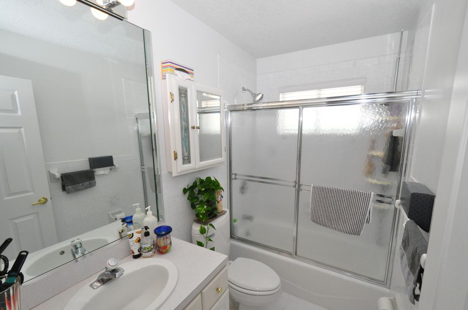 Additional photo for property listing at 202 S ANGLERS Drive  马拉松, 佛罗里达州 33050 美国