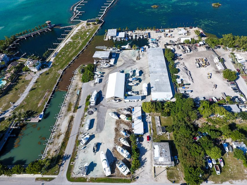 Commercial for Sale at 783 39Th St-41st St Gulf 783 39Th St-41st St Gulf Marathon, Florida 33050 United States