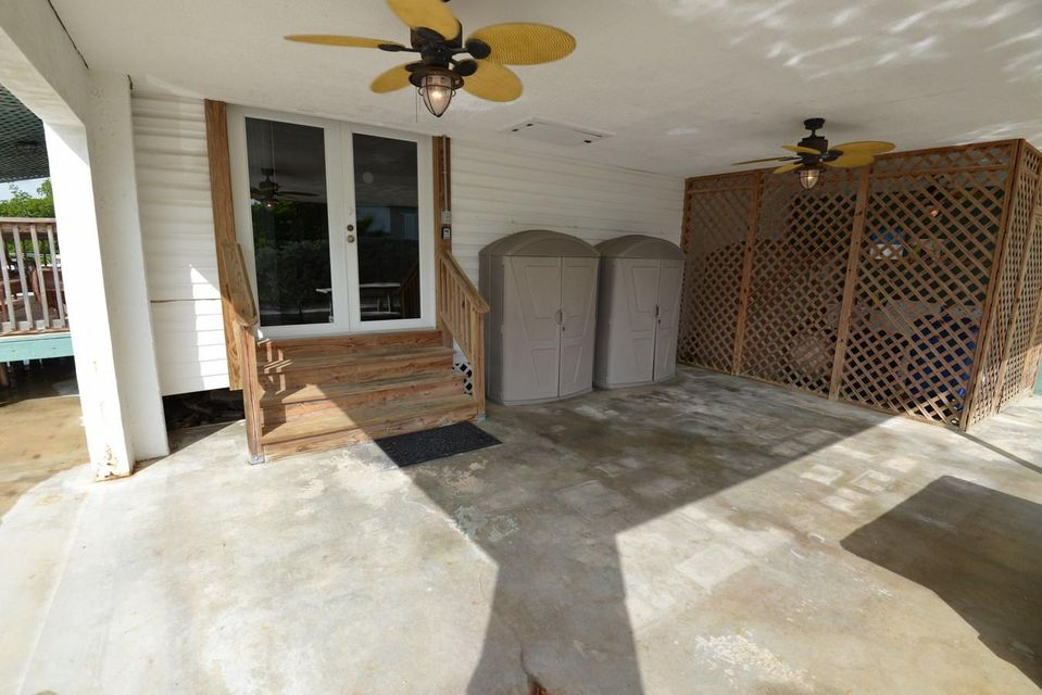 Additional photo for property listing at 84 Sea View Avenue  Marathon, Florida 33050 Amerika Birleşik Devletleri