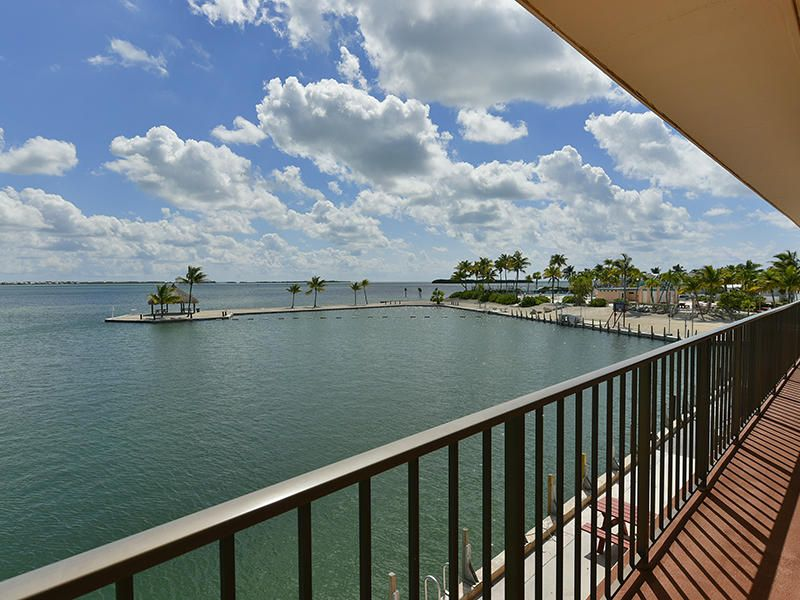 Additional photo for property listing at 701 Spanish Main Drive  Summerland Key, Florida 33042 Stati Uniti