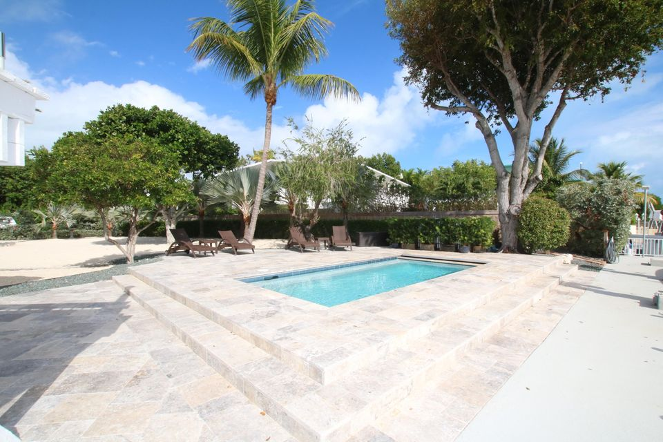 Additional photo for property listing at 140 Old Fashion Road 140 Old Fashion Road Key Largo, Florida 33037 Usa