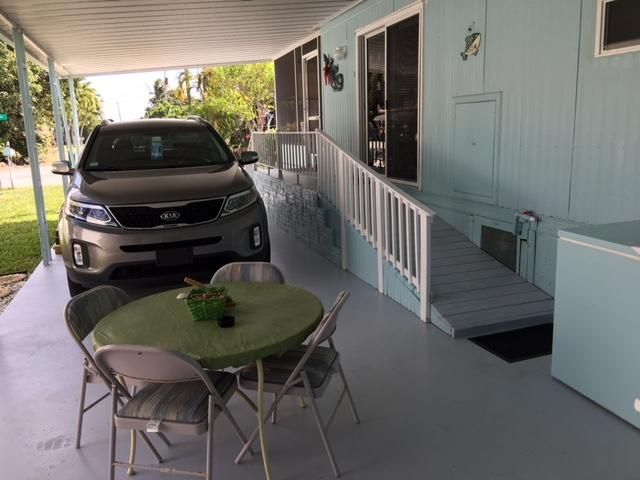 Additional photo for property listing at 720 N Emerald Drive 720 N Emerald Drive Key Largo, Florida 33037 Estados Unidos