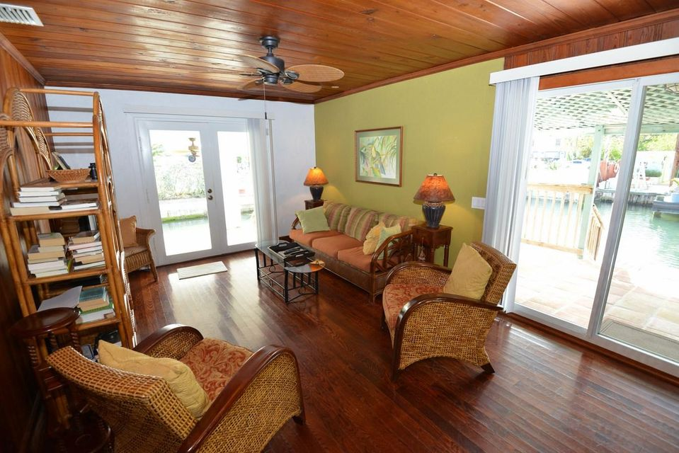 Additional photo for property listing at 84 Sea View Avenue  Marathon, Florida 33050 Verenigde Staten