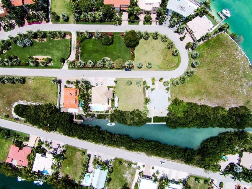 Additional photo for property listing at 230 15th Circle  Key Colony, Florida 33051 États-Unis