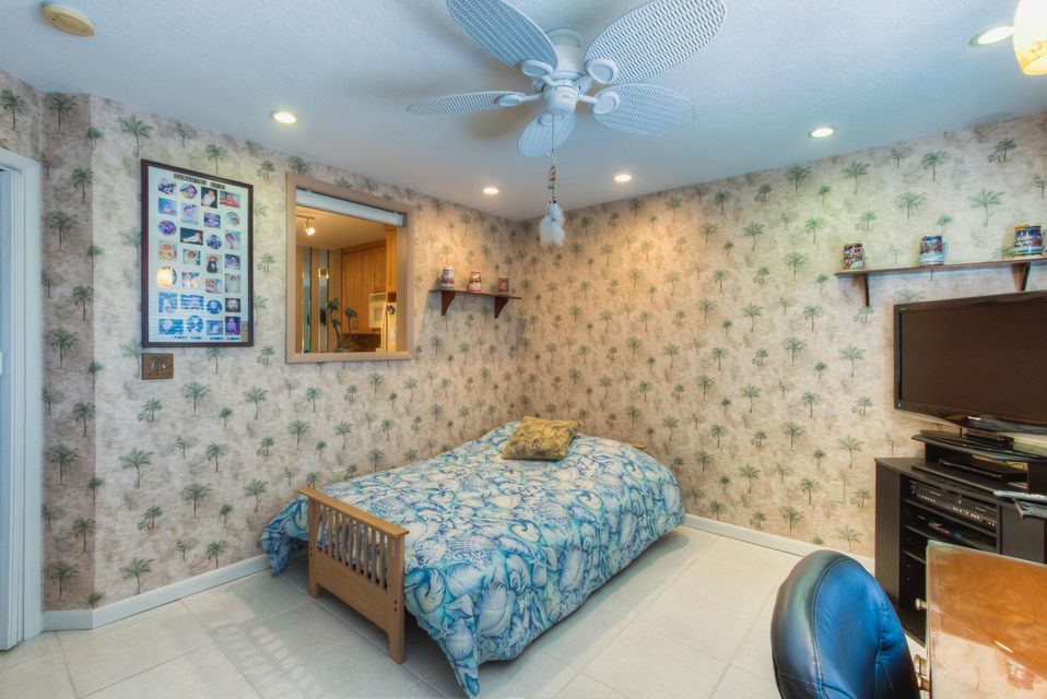Additional photo for property listing at 9863 Leeward Avenue  Key Largo, Florida 33037 États-Unis