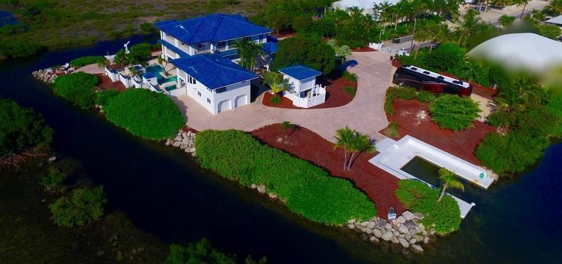 獨棟家庭住宅 為 出售 在 29323 Forrestal Avenue Big Pine Key, 佛羅里達州 33043 美國