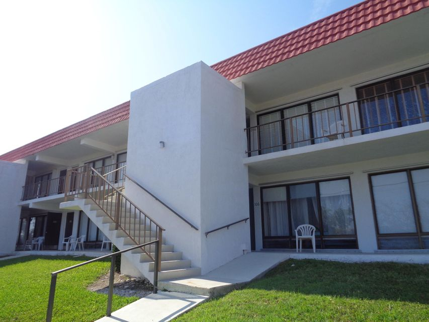 Additional photo for property listing at 303 Sombrero Boulevard  Marathon, Florida 33050 Hoa Kỳ