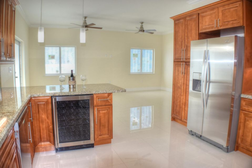 Additional photo for property listing at 58 SE Marlin Avenue  Key Largo, Florida 33037 United States