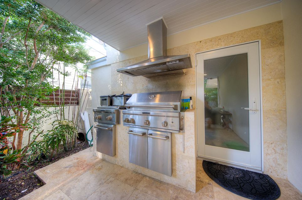 Additional photo for property listing at 2718 Harris Avenue  Key West, Φλοριντα 33040 Ηνωμενεσ Πολιτειεσ