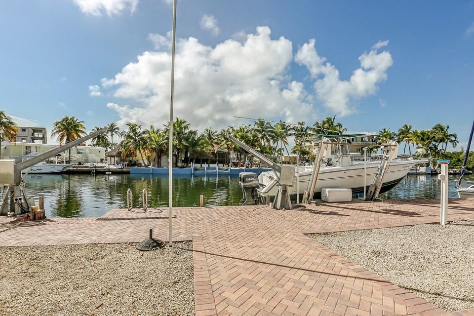 Additional photo for property listing at 153 Westminster Drive  Key Largo, Florida 33070 United States
