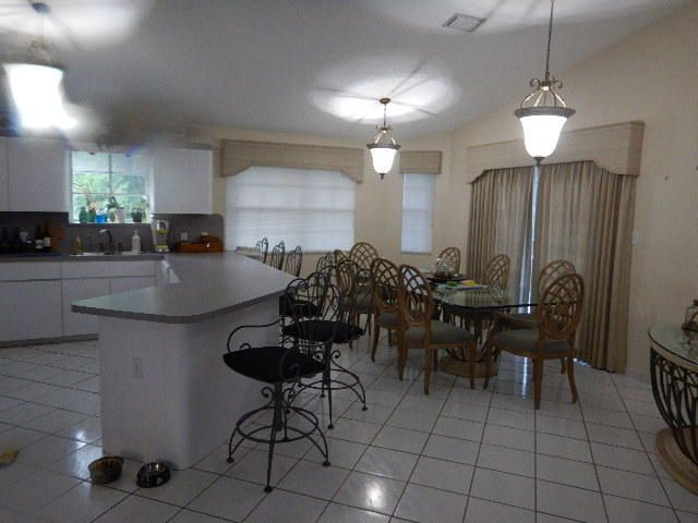 Additional photo for property listing at 100 4th Lane  Key Largo, 佛羅里達州 33037 美國