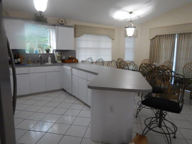 Additional photo for property listing at 100 4th Lane  Key Largo, Florida 33037 Estados Unidos