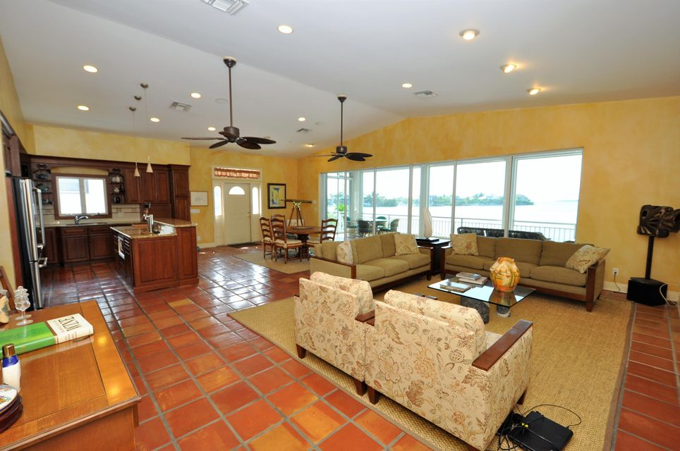 Additional photo for property listing at 556 E Caribbean Drive  Summerland Key, Florida 33042 Verenigde Staten