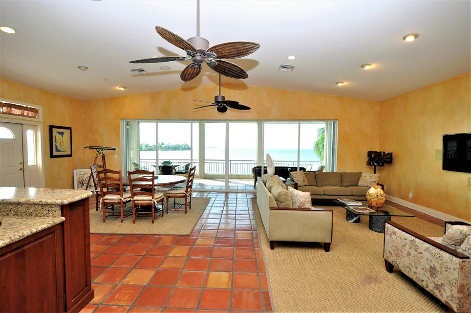 Additional photo for property listing at 556 E Caribbean Drive  Summerland Key, Florida 33042 Hoa Kỳ