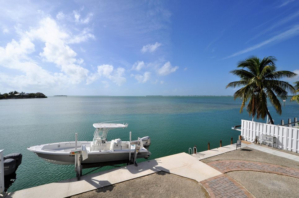 Additional photo for property listing at 556 E Caribbean Drive  Summerland Key, Florida 33042 États-Unis