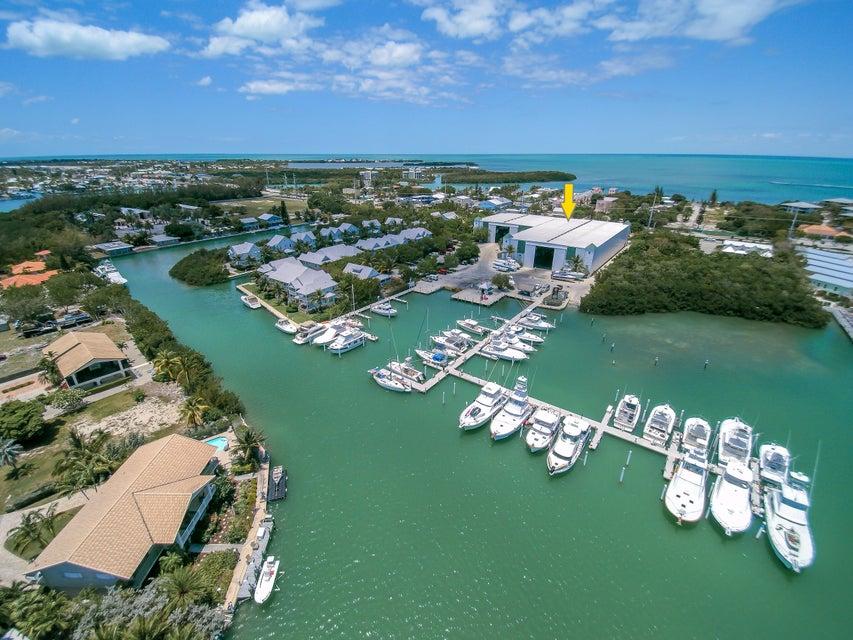 Autre bien résidentiel pour l Vente à 12411 Overseas Highway 12411 Overseas Highway Marathon, Florida 33050 États-Unis