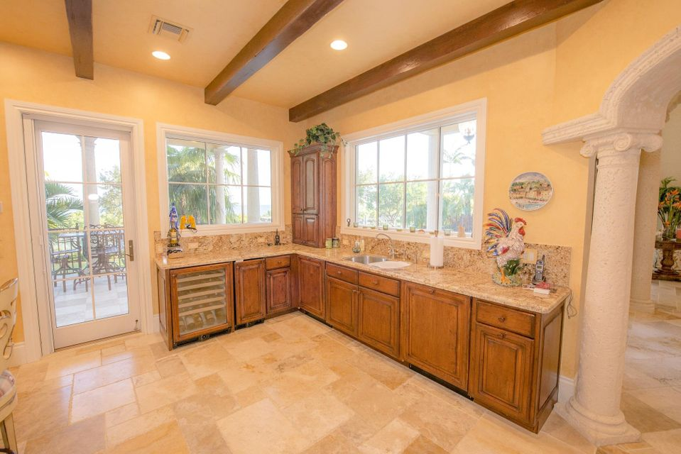 Additional photo for property listing at 301 Ixora Drive  Marathon, Florida 33050 Verenigde Staten