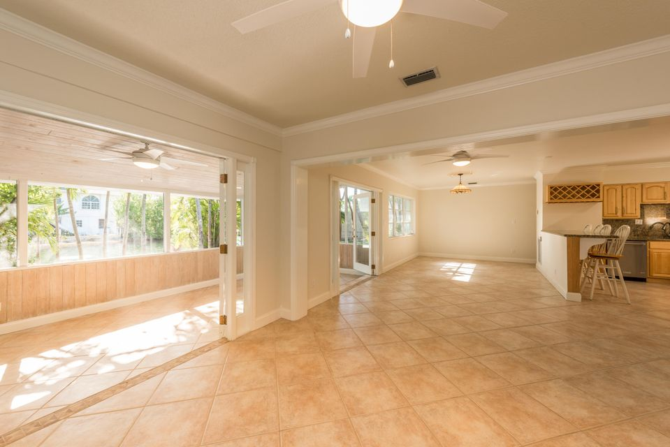 Additional photo for property listing at 17298 E Dolphin Street  Sugarloaf, 佛羅里達州 33042 美國