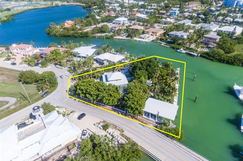 Eensgezinswoning voor Verkoop een t 2913 Sombrero Boulevard Marathon, Florida 33050 Verenigde Staten