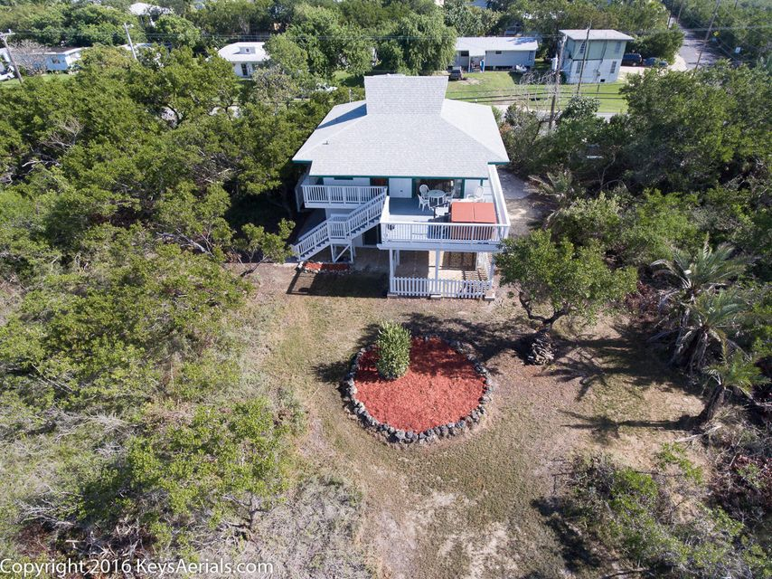 Additional photo for property listing at 680 State Road 4 A  Summerland Key, Florida 33042 États-Unis