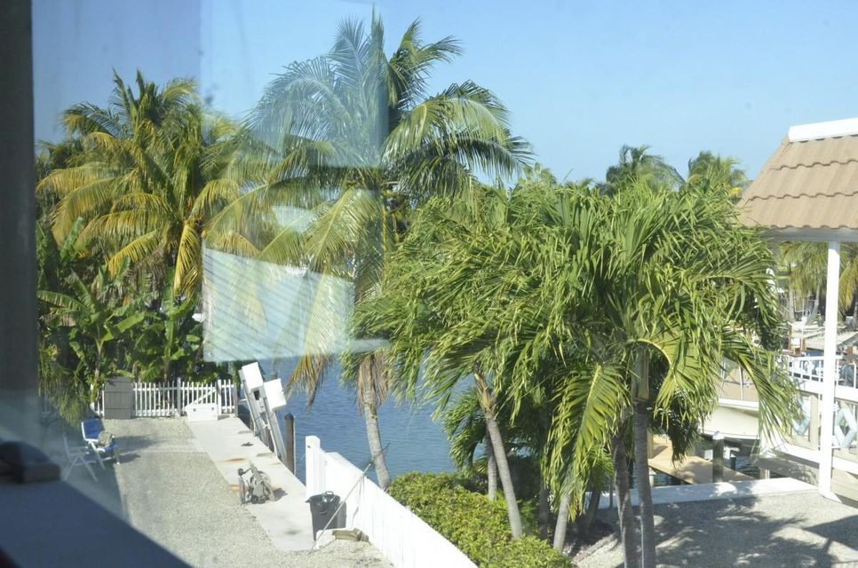 Additional photo for property listing at 948 W Ocean Drive  Key Colony, Florida 33051 Usa