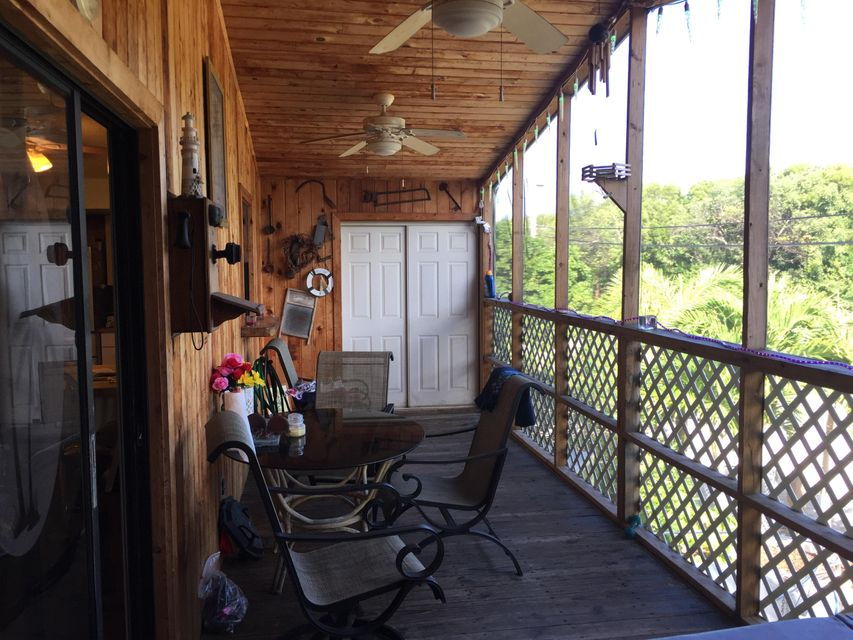 Additional photo for property listing at 112 Mangrove Avenue  Key Largo, Florida 33037 Estados Unidos