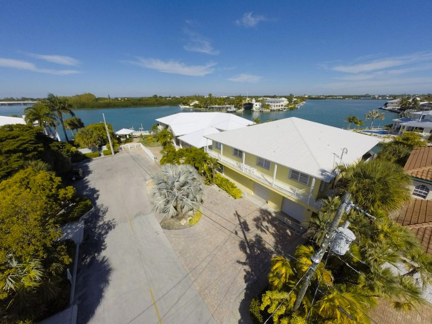 Maison unifamiliale pour l Vente à 840 12Th Street Key Colony, Florida 33051 États-Unis