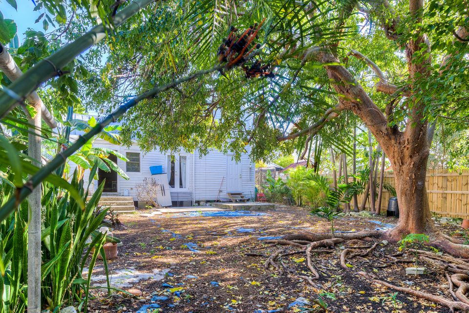 Additional photo for property listing at 1430 Thompson Street 1430 Thompson Street Key West, Florida 33040 United States