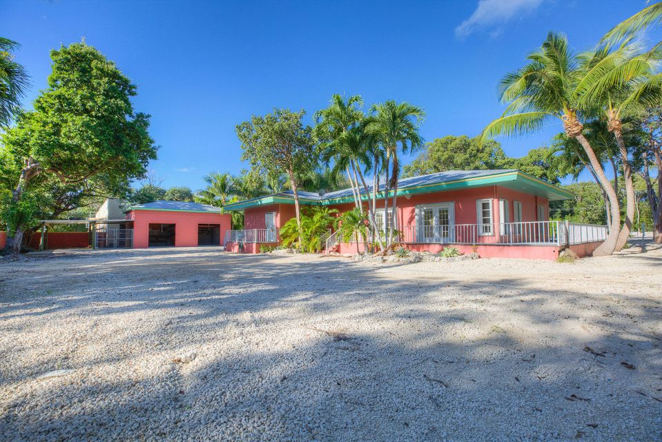 Commercial for Rent at 89111 Overseas Highway Way Islamorada, Florida 33070 United States