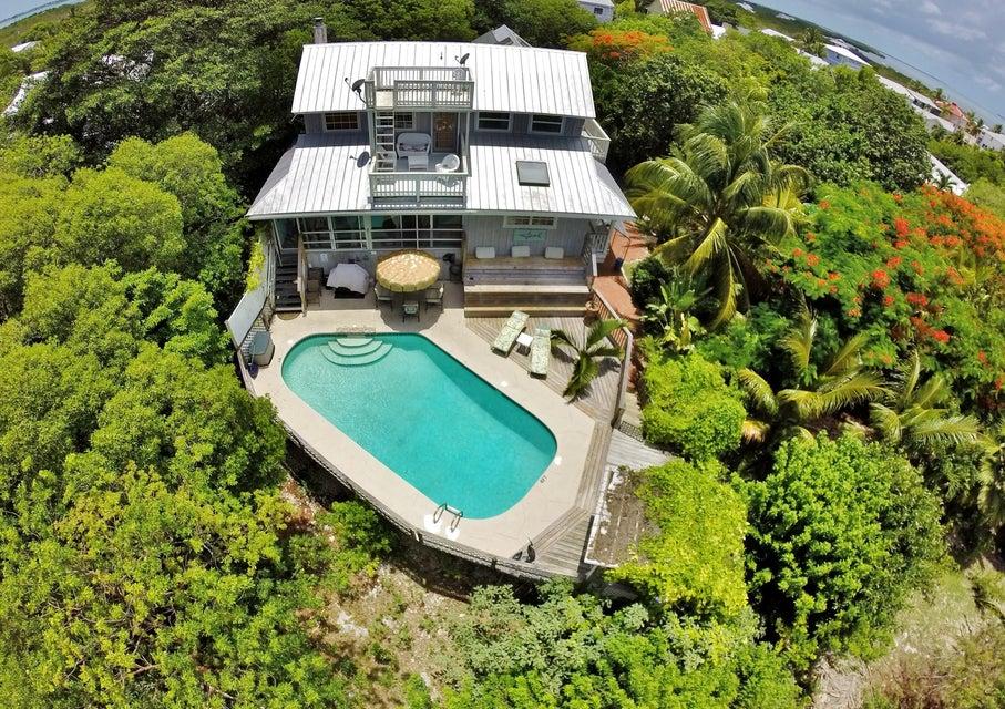 Частный односемейный дом для того Продажа на 1023 Loggerhead Lane Sugarloaf, Флорида 33042 Соединенные Штаты