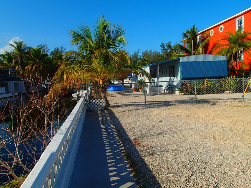 Additional photo for property listing at 211 W 2nd. Court  Key Largo, Florida 33037 Estados Unidos