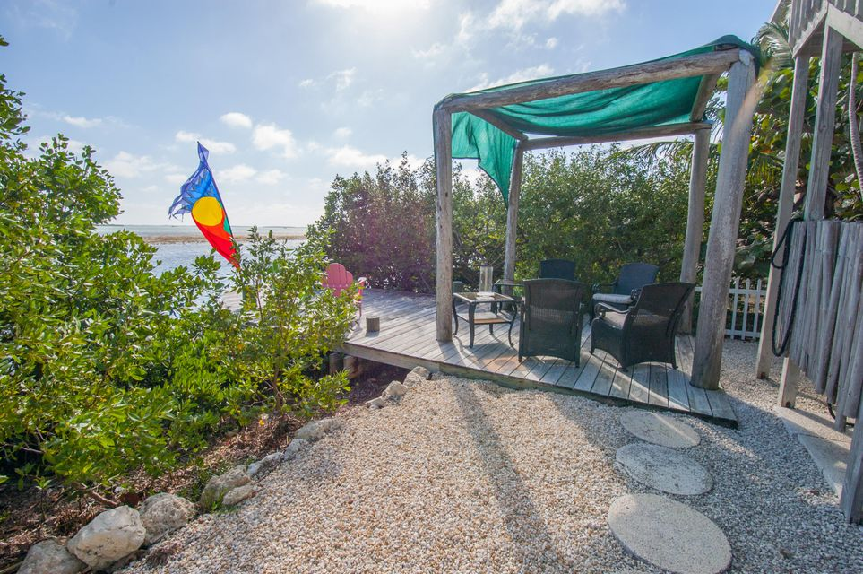Additional photo for property listing at 591 W INDIES Drive  Summerland Key, Φλοριντα 33042 Ηνωμενεσ Πολιτειεσ