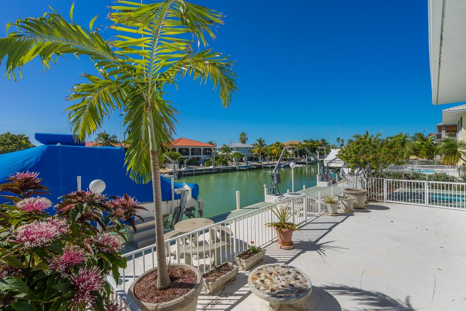 Additional photo for property listing at 166 S Indies Drive  Duck Key, Florida 33050 Vereinigte Staaten