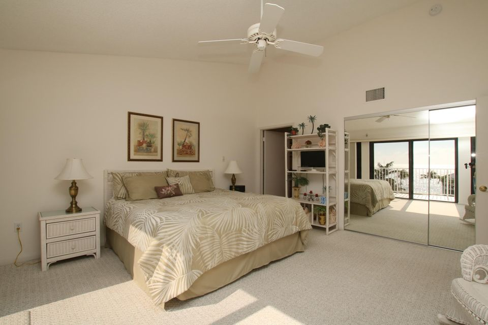 Additional photo for property listing at 799 West Ocean  Key Colony, Флорида 33051 Соединенные Штаты
