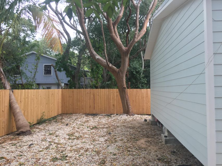 Additional photo for property listing at 35 Rose Place  Key Largo, Florida 33037 États-Unis