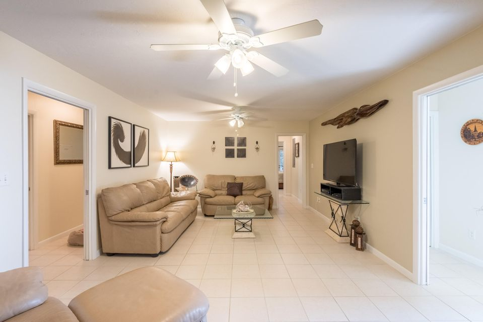 Additional photo for property listing at 827 Caribbean Drive  Summerland Key, Florida 33042 Usa