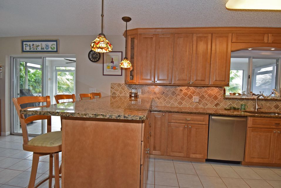 Additional photo for property listing at 17 Corrine Place  Key Largo, Florida 33037 Hoa Kỳ