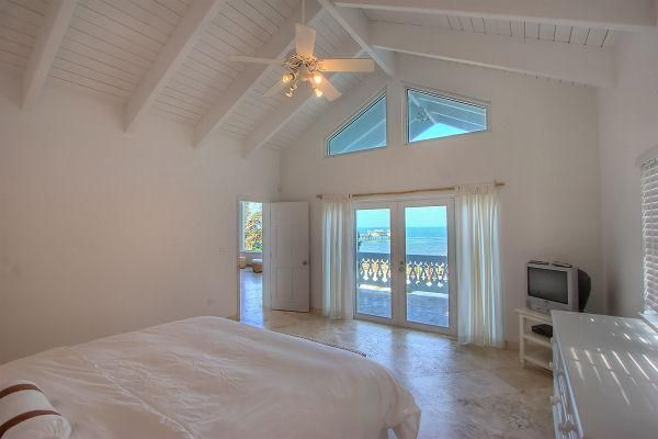 Additional photo for property listing at 89051 Old Highway  Islamorada, Florida 33070 États-Unis