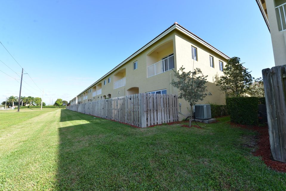 Additional photo for property listing at 2344 SE 16th Terr Homestead  Homestead, Florida 33035 Usa