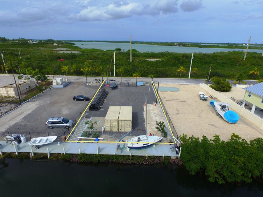 Commerciale per Affitto alle ore 27400 Trinidad Road Summerland Key, Florida 33042 Stati Uniti