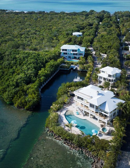 独户住宅 为 销售 在 97251 Overseas Highway 拉哥, 佛罗里达州 33037 美国