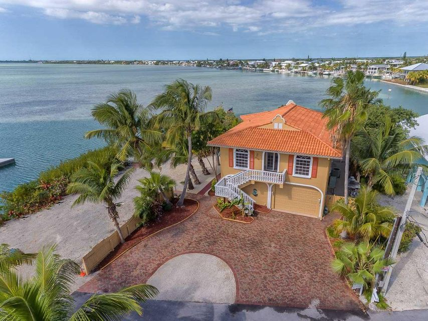 818 Bay Drive, Summerland Key, FL 33042